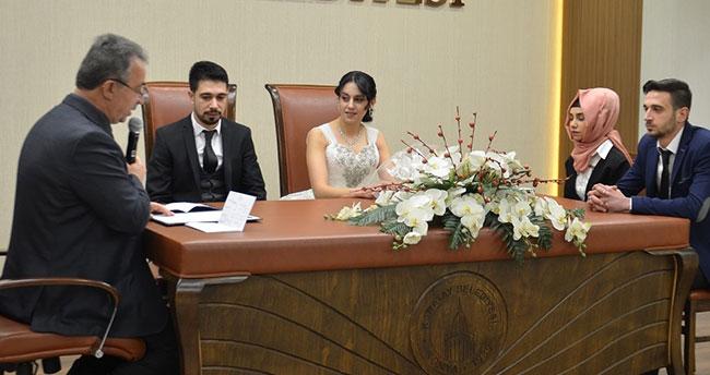 Başkan Hançerli 14 Şubat'ta 10 nikah kıydı