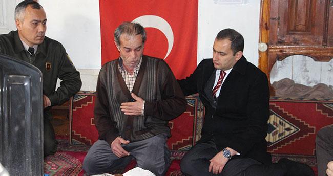 Kaymakam Abbasoğlu şehit ailesini ziyaret etti