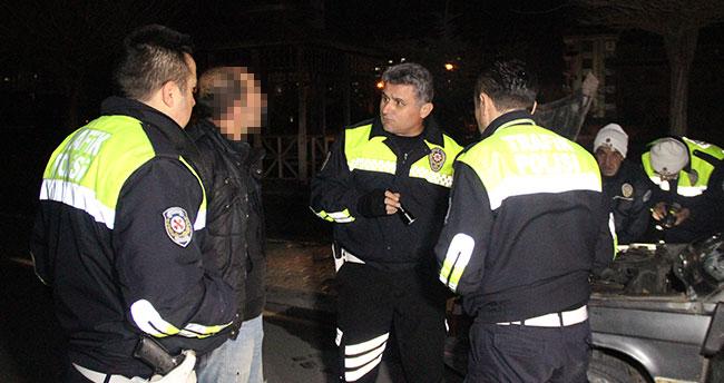 Konya'da kovalamacayla yakalanan aracın plakası sahte çıktı