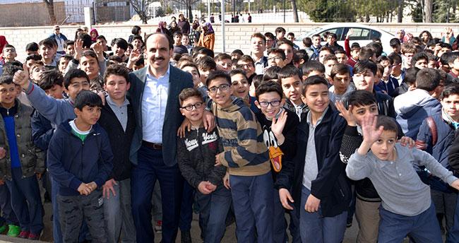 Başkan Altay öğrencileri ziyaret etti