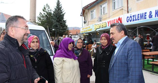 Başkan Tutal, umre yolcularını uğurladı