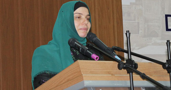 Diyanet'e ilk defa kadın başkan yardımcısı atandı
