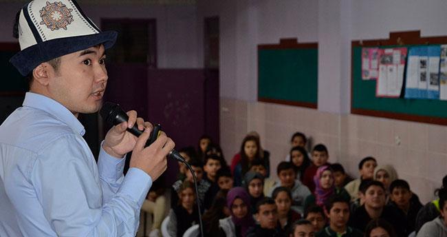 Uluslararası Öğrenciler Ülkelerini Tanıtıyor