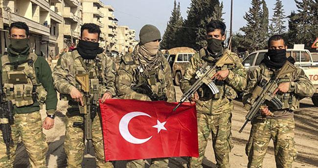 Afrin'e Türk bayrağı dikildi