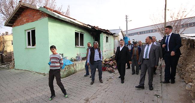 Evi yanan aileye Başkan Özaltun'dan destek
