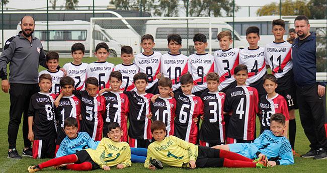 Kasırgaspor'dan çifte şampiyonluk