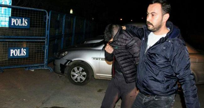 Konya'da hırsız çaldığı çikolatayı yerken yakalandı