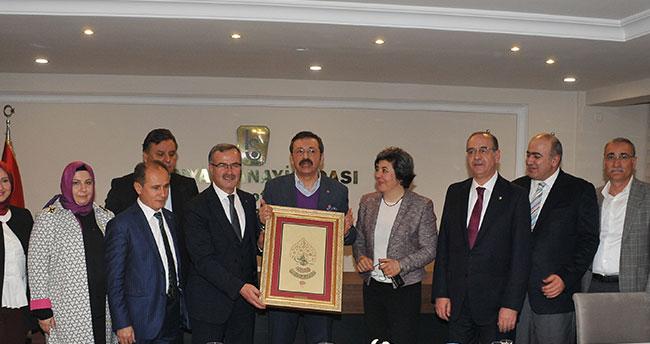 Hisarcıklıoğlu, KSO'da Konyalı sanayicilerle buluştu