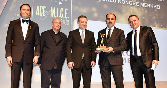 Selçuklu Kongre Merkezine yılın yatırım ödülü