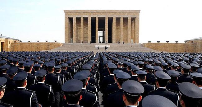 Türk polisi sosyal medyada 'TT' oldu