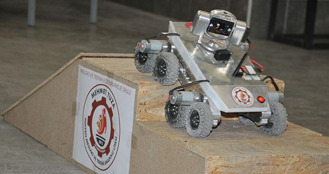 Liseliler asker için Porsuk robotu yaptı