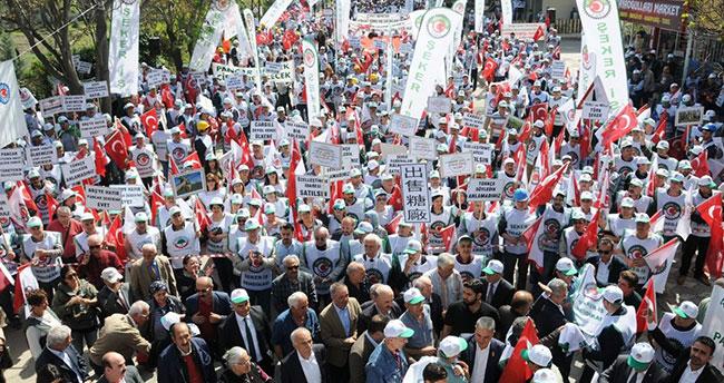 Binlerce kişi, şeker fabrikası satışlarını protesto etti