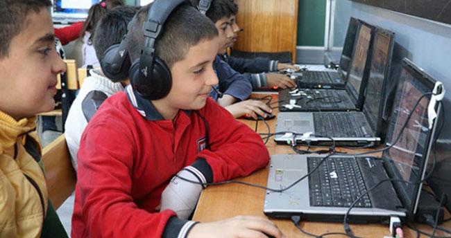 Öğrencilere klavyeli bilgisayar verilecek