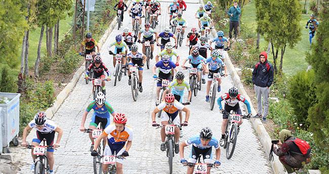 UCI Dağ Bisikleti Avrupa Şampiyonası Yarışları Konya'da Yapıldı