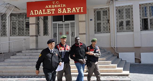 Konya'da firari mahkum, yol kenarında yakalandı