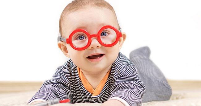 Bebeklik döneminde göz muayenesi önemli