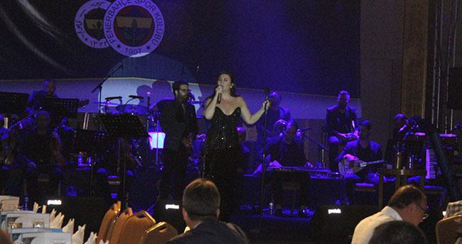 Sibel Can Konya Fenerbahçeliler Derneği için sahneye çıktı