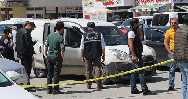 Konya'da bankalara para taşıyan kurye aracı soyuldu!