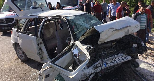 Konya'da iki otomobil kafa kafaya çarpıştı: 1 ölü, 7 yaralı