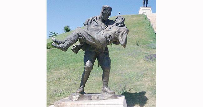 Beyşehir'e şehit baba ve oğul anıtı