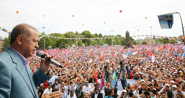 Erdoğan'ın Konya mitingine kaç kişi katıldı?