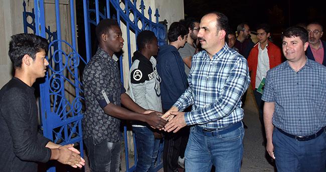 Başkan Altay Uluslararası Öğrencilerle Sahur Yaptı