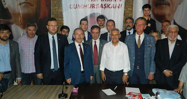 CHP Konya'nın seçim bürosuna saldırı!