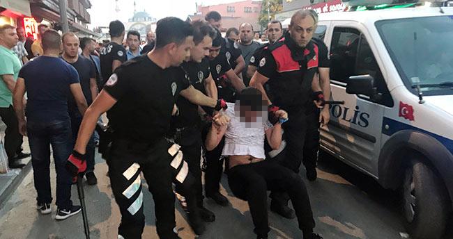 Konya'da zabıta ile seyyar satıcılar arasında bıçaklı kavga: 2 yaralı