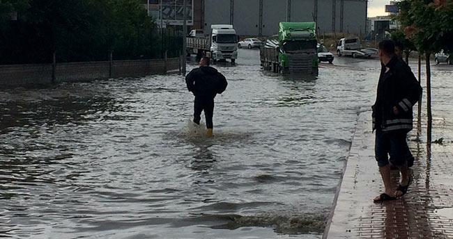 Konya'da sağanak yağış etkili oldu