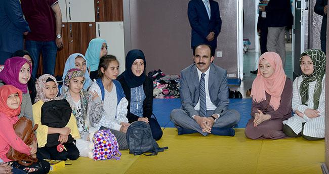 Başkan Altay Bilgehanede Yaz Okulunun İlk Dersine Katıldı