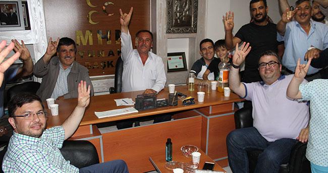 AK Parti Yunak'dan MHP'ye hayırlı olsun ziyareti