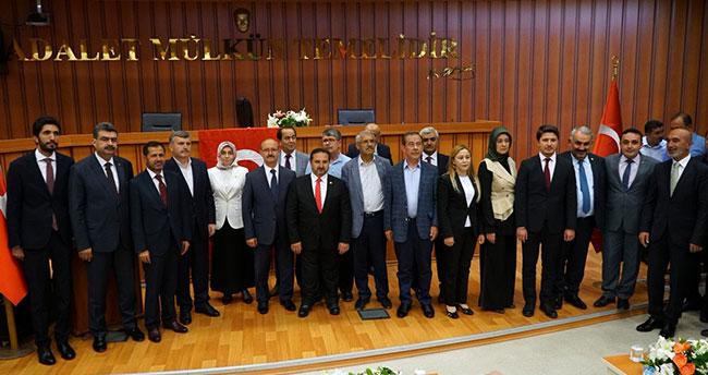 Konya'da vekiller mazbatalarını aldı