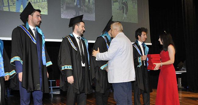 SÜ Mühendislik Fakültesi son mezunlarını verdi