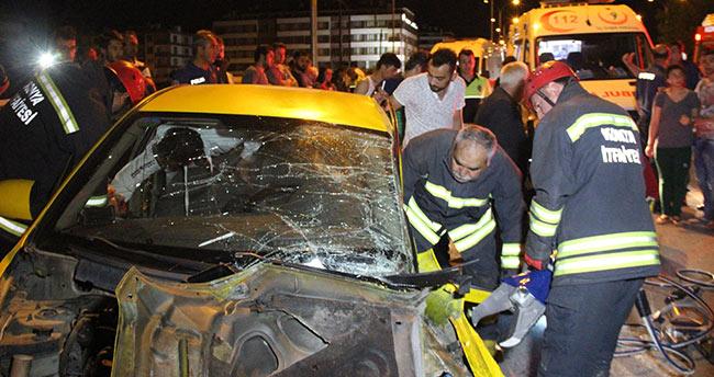 Konya'da ticari taksi otomobil ile çarpıştı: 5 yaralı