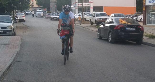 Sultan Alaaddin için bisikletle Konya'ya gidiyor