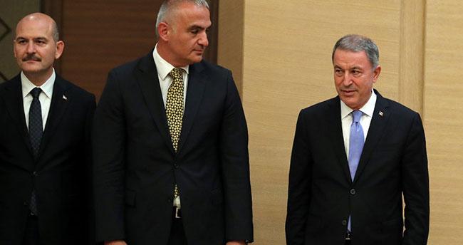 Hulusi Akar Milli Savunma Bakanı oldu…