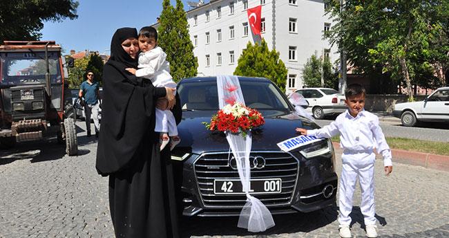 Başkan Altay'ın makam aracı sünnet arabası oldu