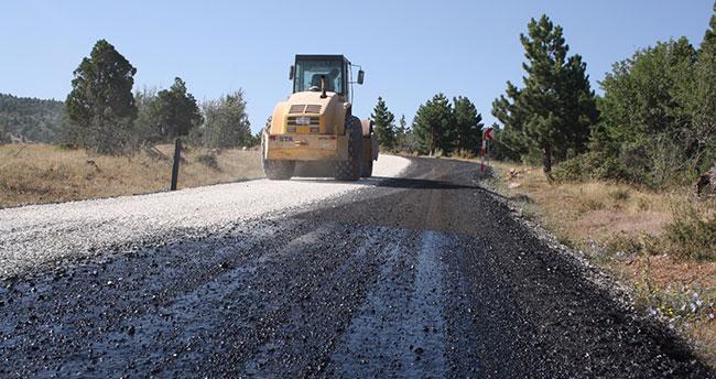 Aladağ Kayak Merkezi'nin yolu asfaltlanıyor