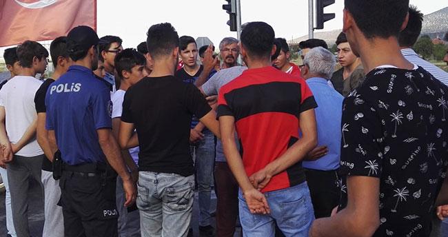 Konya'da vatandaşlardan yol kapama eylemi
