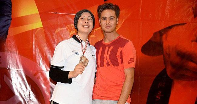 Milli sporcunun başarısı Konya'da sevinçle karşılandı