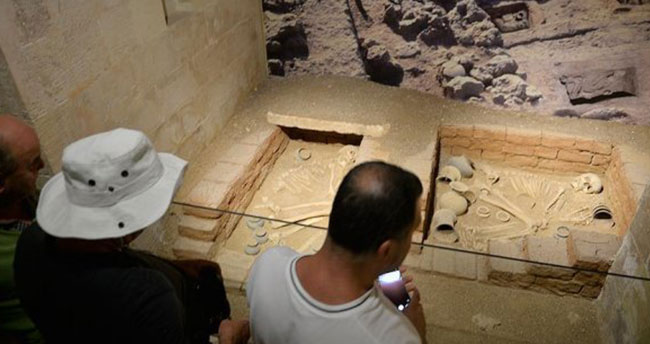 Dünyanın en eski aşıkları müzede sergilenecek