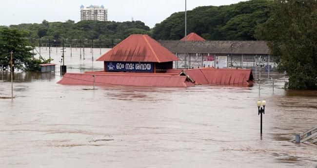 Hindistan felaketi yaşıyor! 27 ölü