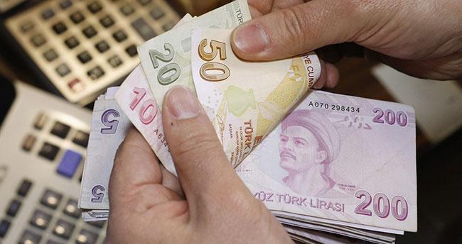Bakan Selçuk: 1000 TL'nin altında emekli maaşı kalmayacak