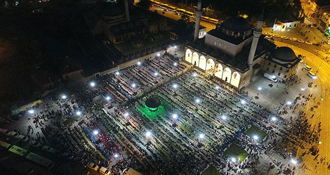 Binlerce Çocuk Sabah Namazında Mevlana Meydanı'nı Doldurdu