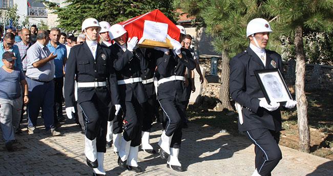 Kalp krizi sonucu ölen polis memuru toprağa verildi