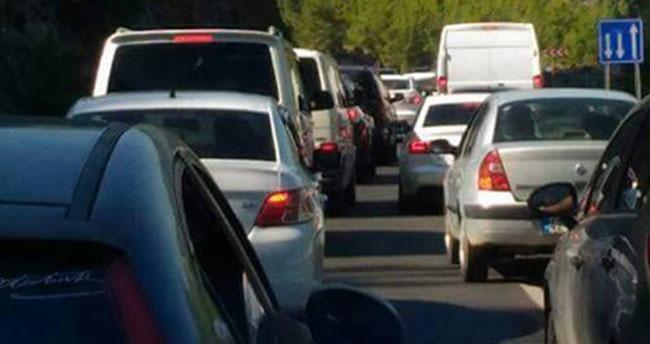 Konya-Antalya yolunda dönüş yoğunluğu yaşandı
