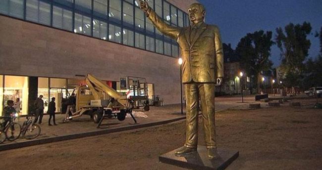 Almanya'ya Erdoğan'ın heykeli dikildi! Almanlar şaşkına döndü