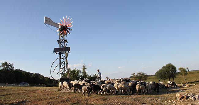 Hayvanların su ihtiyacı güneş ve rüzgar enerjisinden