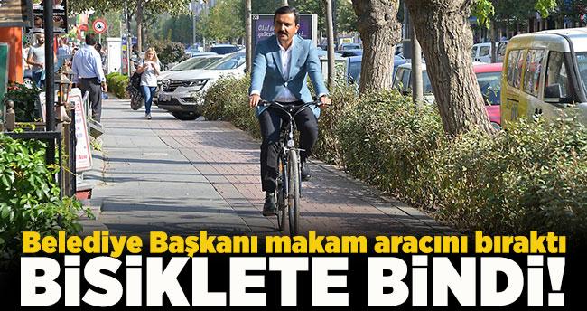 Belediye Başkanı makam aracını bıraktı bisiklete bindi