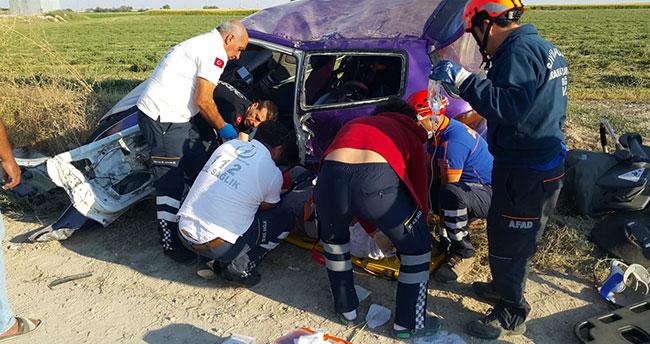 Aksaray-Konya karayolunda kaza!1'i bebek 3 yaralı
